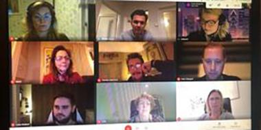 Foto på deltagarna i den digitala mötesplattformen.